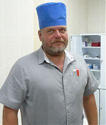 Заведующий филиалом № 1 поликлиники № 4, врач-хирург Иван Иванович Нунин